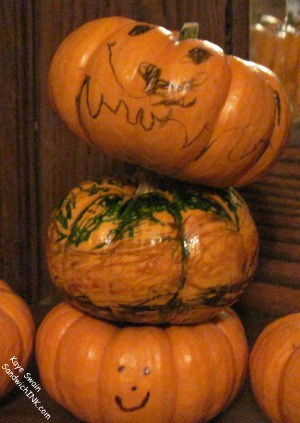 Fall Pumpkin Table Decorations activities for grandparents and their grandchildren can range from simple to extremely frilly - but all are a lot of fun