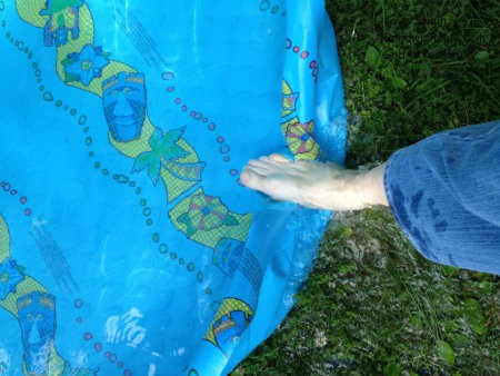 Having a wading pool that is easy to drain definitely helps save time when dealing with the various Sandwich Generation issues