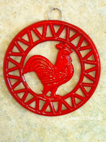 French-Country-kitchen-roosters-like-this-cute-rooster-trivet-make-fun-collectibles