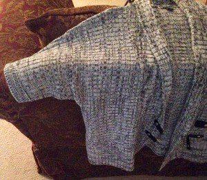 This short sleeved sweater helps my elderly mom when she has a cold feeling in her upper or lower back.jpg