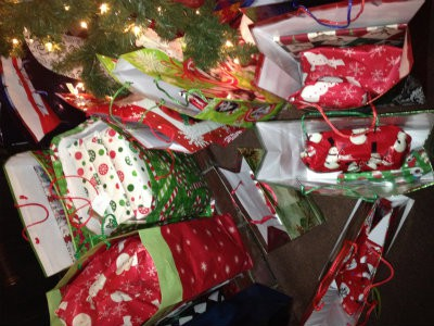 Help With Christmas Gifts.Early Shopping And Organizing Christmas Gifts Can Be A Big